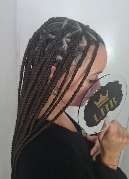Triangle Knotless Box Braids LottaHairandBeauty Book Black Afro London Mobile Hair Stylist Salon Braider Near Me FroHub