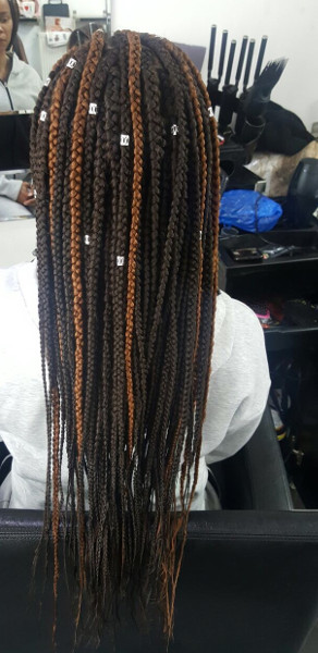 Box Braids TamaraHairStudio Book Black Afro London Hairstylist Salon Near Me Braider FroHub